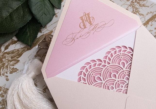 Guerlain style in wedding invitation